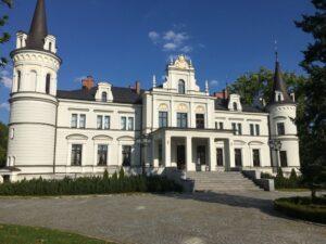 Reiseblog - Schloss Tarce - Schloss vorn