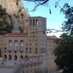 Die vordere Ansicht der Basilika Montserrat