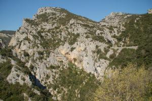 Im Felsen erkennt man etwas weiter entfernt die Eremitage.