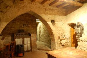 altes Gewölbe neben Esszimmer