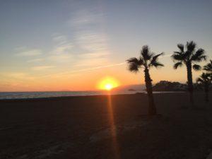 Sonnenuntergang am Strand von Calabardina in der Region Murcia, Andalusien vom 12.12.2018