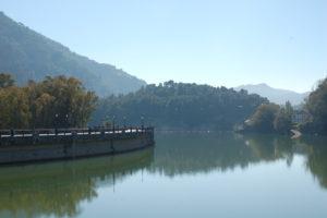 Blick auf die Staumauer des Embalse de Conde Guadalhorce