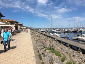 die gepflegte Uferpromenade von Kühlungsborn an der Marina