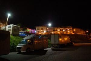 Das Womo bei Abend auf dem Parkplatz unterhalb des Balkon de Maro.