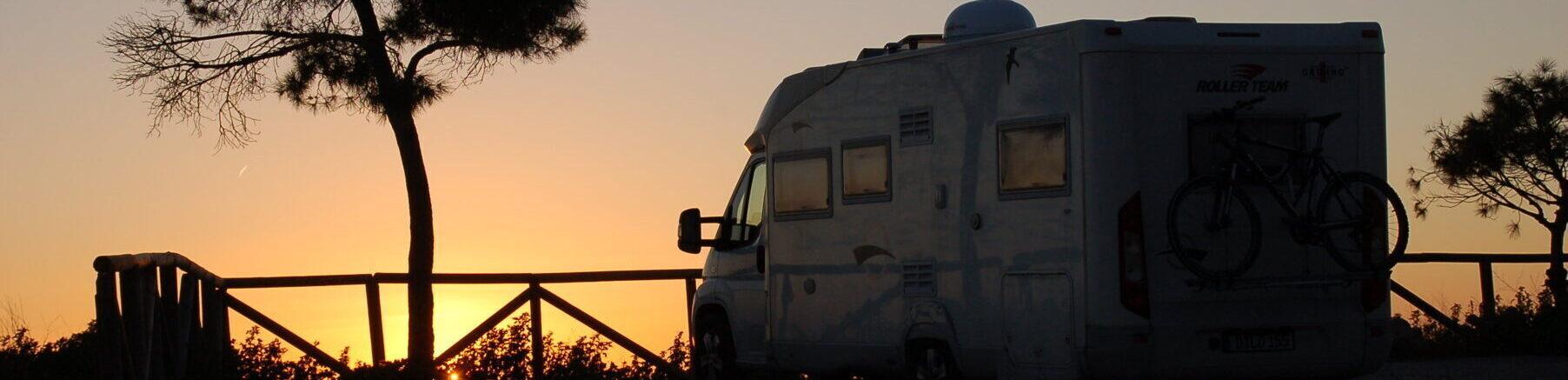 Reiseblog: Mein Wohnmobil vor dem Sonnenuntergang