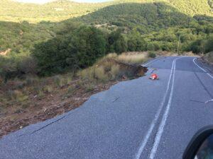 abgerutschte Straße in den Bergen des Peloponnes